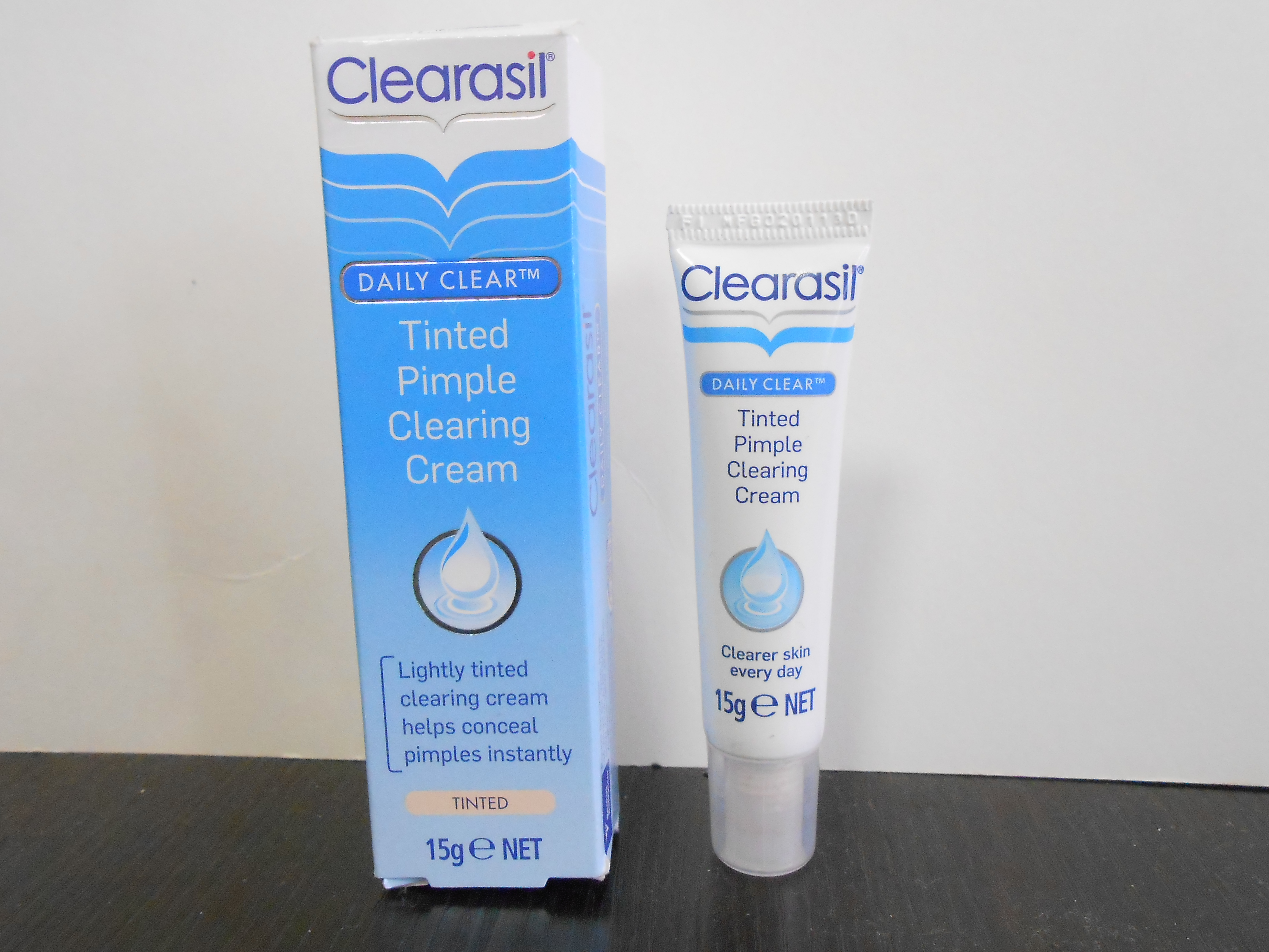 Clearasil tinted pimple clearing cream review